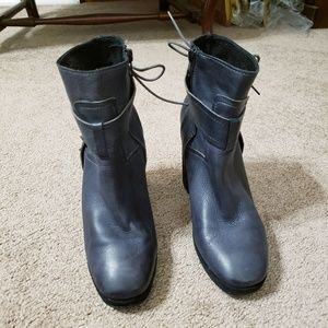 Free People Studded Leather Ankle Boots...38